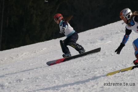 На трасі паралельного слалома з сноубордингу Гречин Юлія