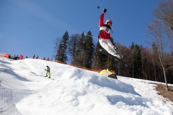 Оля Николайська (ЗОШ №20) – призерка Всеукраїнських змагань з лижного фрістайлу 2014 року