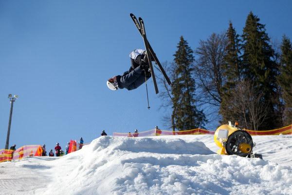 Переможець Кубка України серед юніорів з лижного фрістайлу Олег Масира