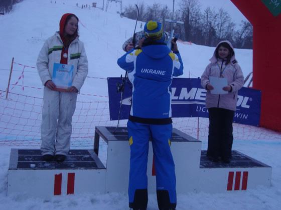 Переможці серед дівчаток: Лугова Софія - 2 місце, Музика Юлія - 3 місце
