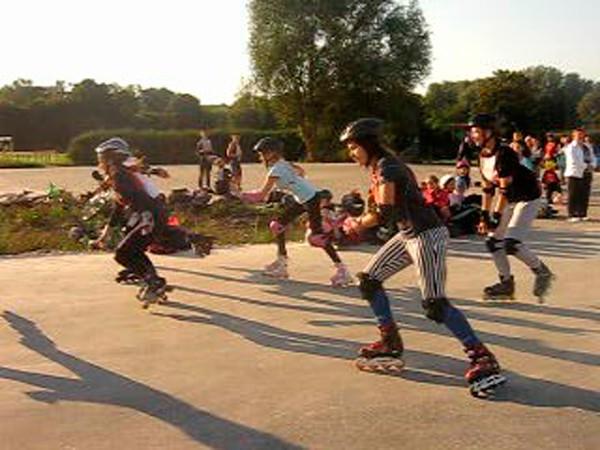 Вихованці Тернопільської СДЮСШ «Екстрім» на Першості міста з швидкісного бігу на роликових ковзанах до Дня фізичної культури і спорту
