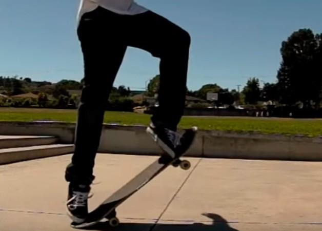 Трюк Frontside 180 Ollie на скейтборді