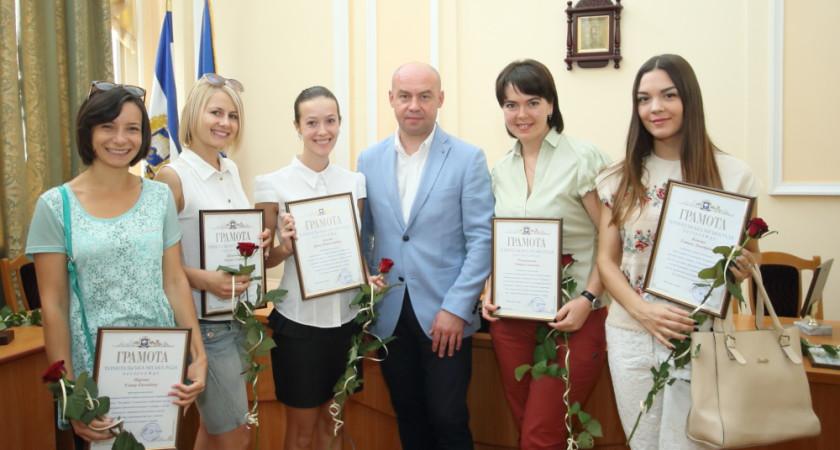Тернопільська міська рада нагородила кращих працівників та активістів спортивної галузі міста з нагоди Дня фізичної культури і спорту   13 вересня 2016 р.