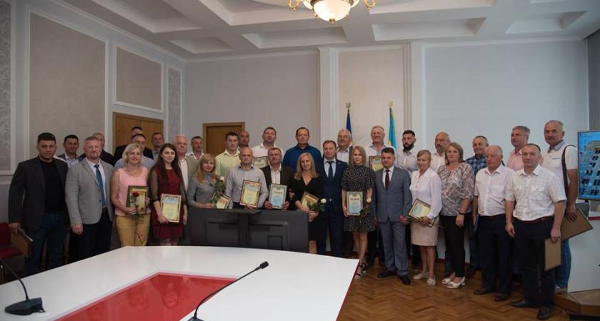 З нагоди професійного свята вiдзначили кращих працівників галузі фізичної культури та спорту Тернопільської області